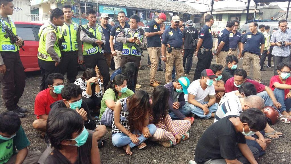 Polisi Razia Kampung Bahari: 19 Orang Positif Narkoba, 23 Paket Sabu Disita