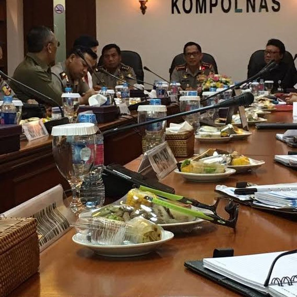 Kompolnas Gelar Pertemuan Tertutup Dengan Kapolri dan Irwasum