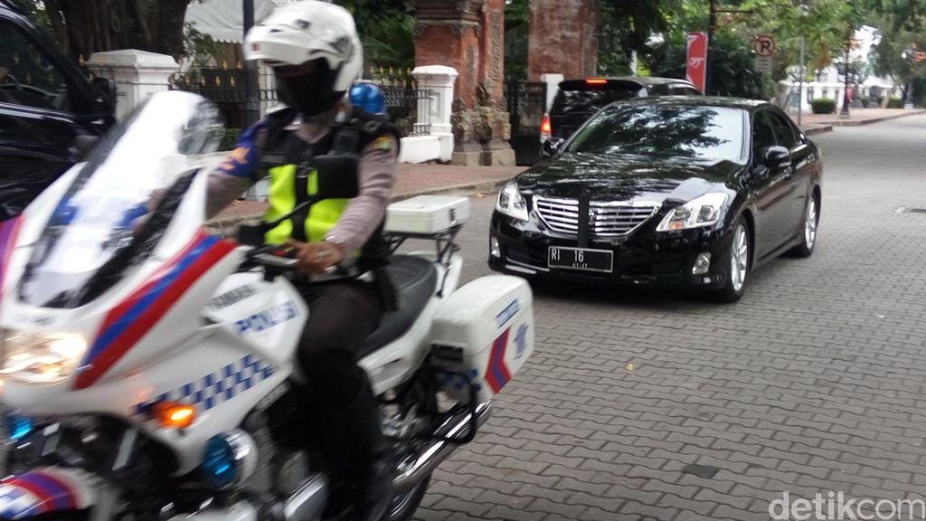 Presiden Jokowi Lakukan Pertemuan Tertutup dengan Menko Polhukam di Istana