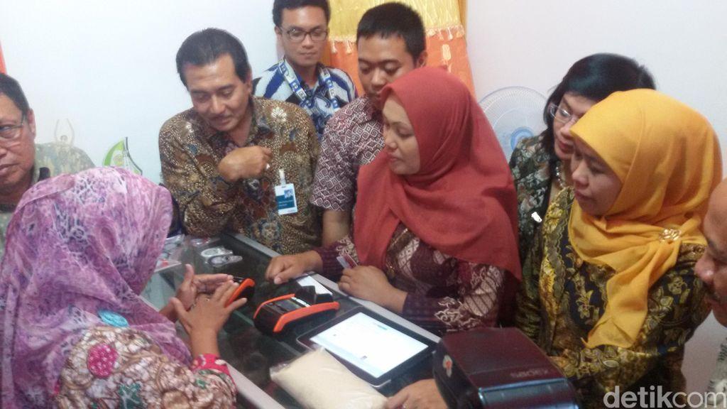 Mensos Khofifah Luncurkan E Warong Pertama Di Yogyakarta