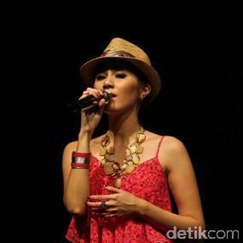 Ketika Penyanyi Sierra Soetedjo Peduli Lingkungan
