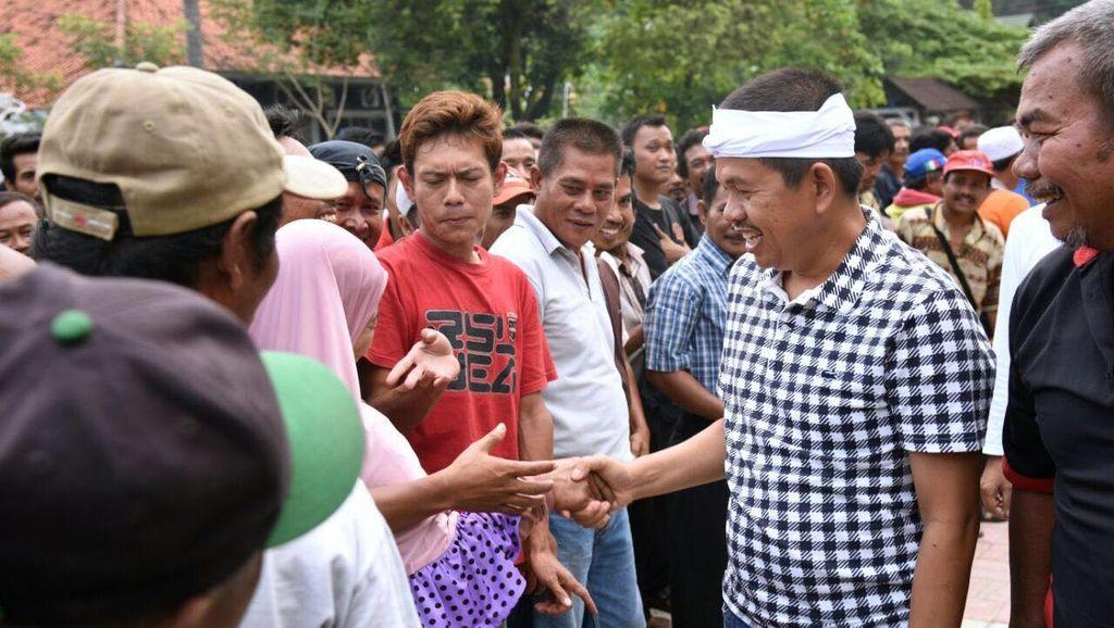 Jalan Dipakai Perayaan HUT Purwakarta, Sopir Angkot Diberi Kompensasi Sembako