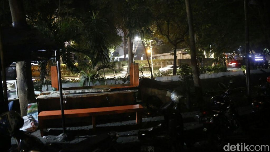 Markas Pewarta Foto Indonesia di Bundaran HI Dibongkar Satpol PP