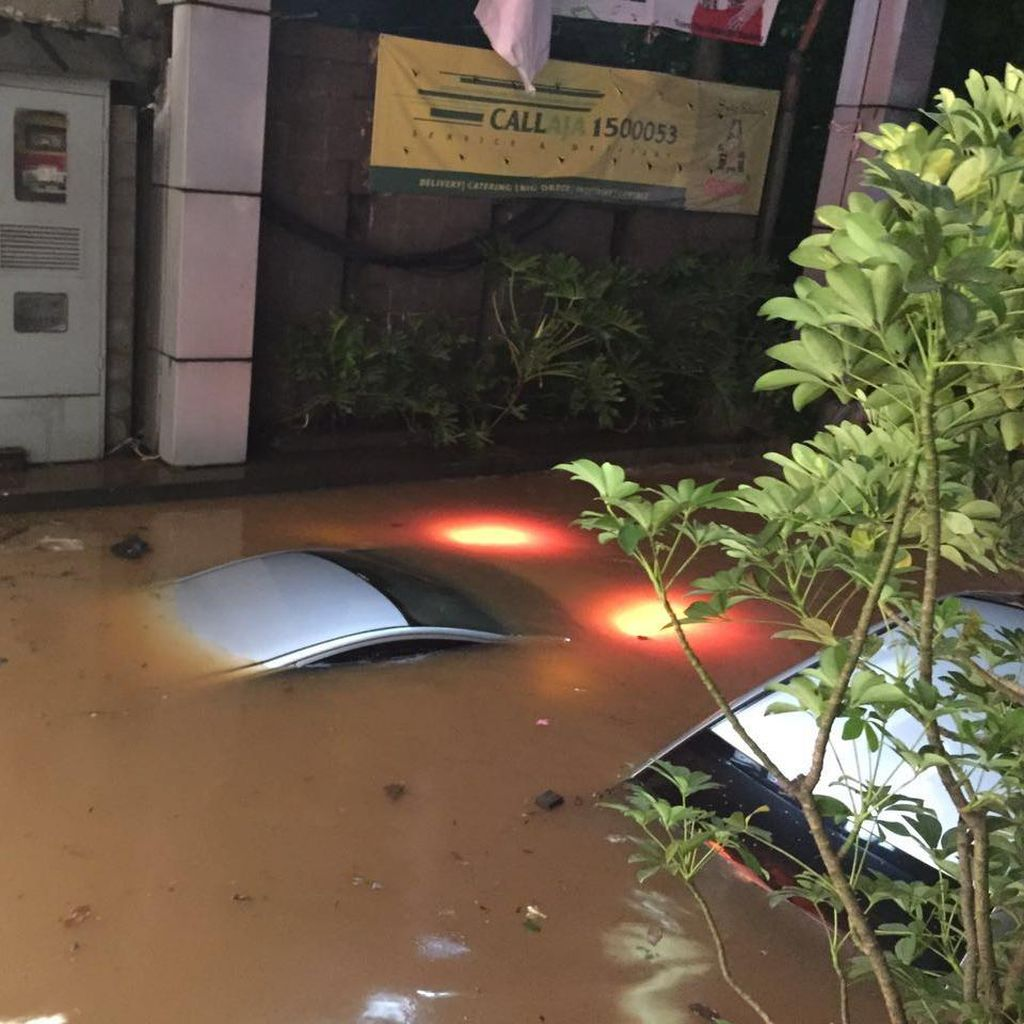 Brimob Polda Metro: Tak Ada Korban Jiwa Banjir di Kemang Jaksel