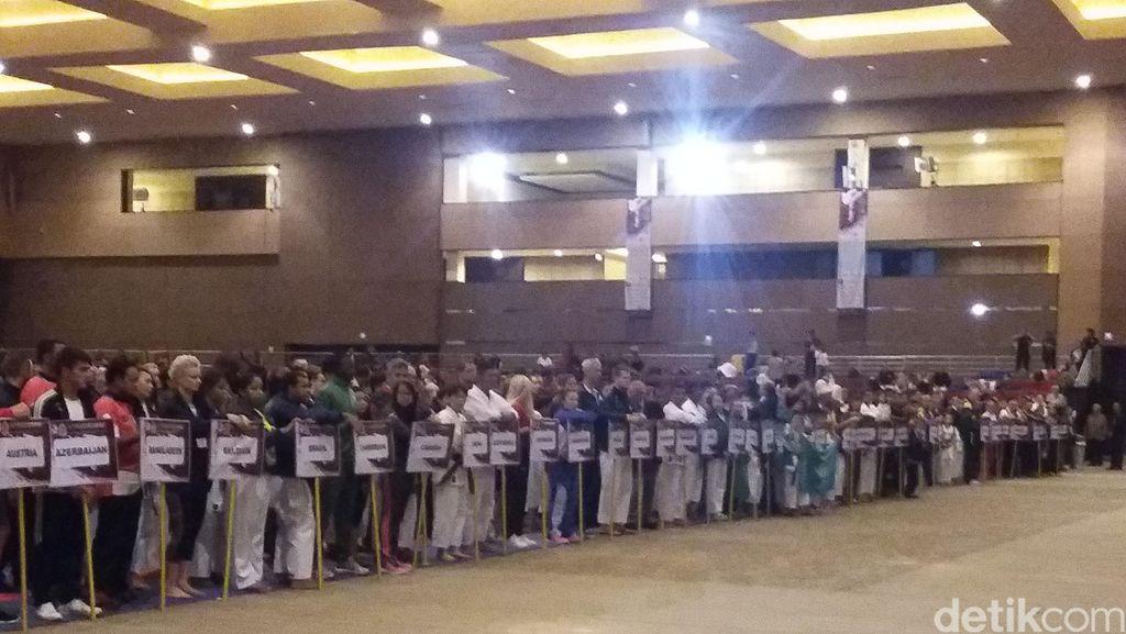 Wapres JK Buka Kejuaraan Karate Dunia di Jakarta
