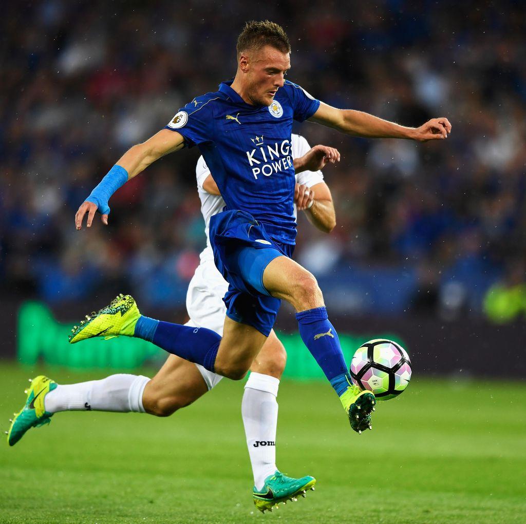 Leicester Memimpin 1-0 Lewat Jamie Vardy