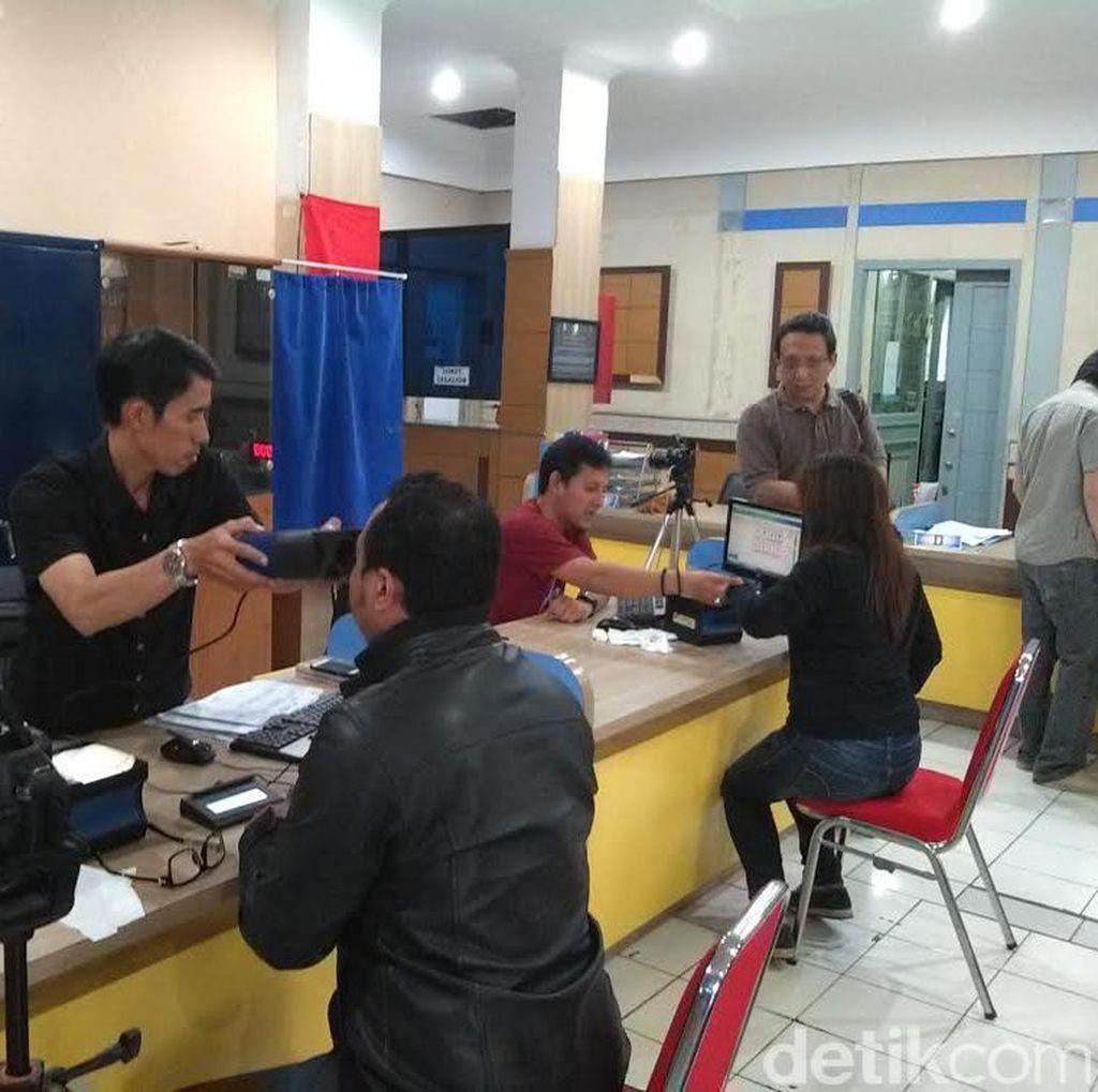 Warga Bandung Antusias Buat e-KTP di Akhir Pekan, Tapi Sayang Jumlahnya Dibatasi