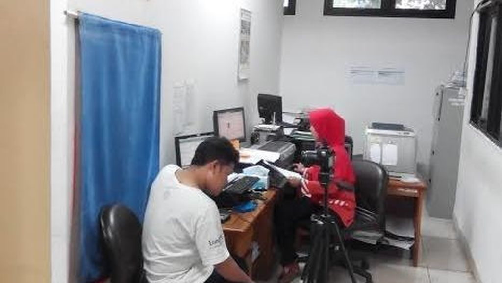 Ada e-KTP Mobile, Pelayanan Reguler Tetap Dibuka di Kelurahan Mampang