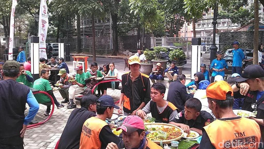 PKL Dayang Sumbi Tempati Rumah Baru yang Nyaman di Tamansari Foodfest