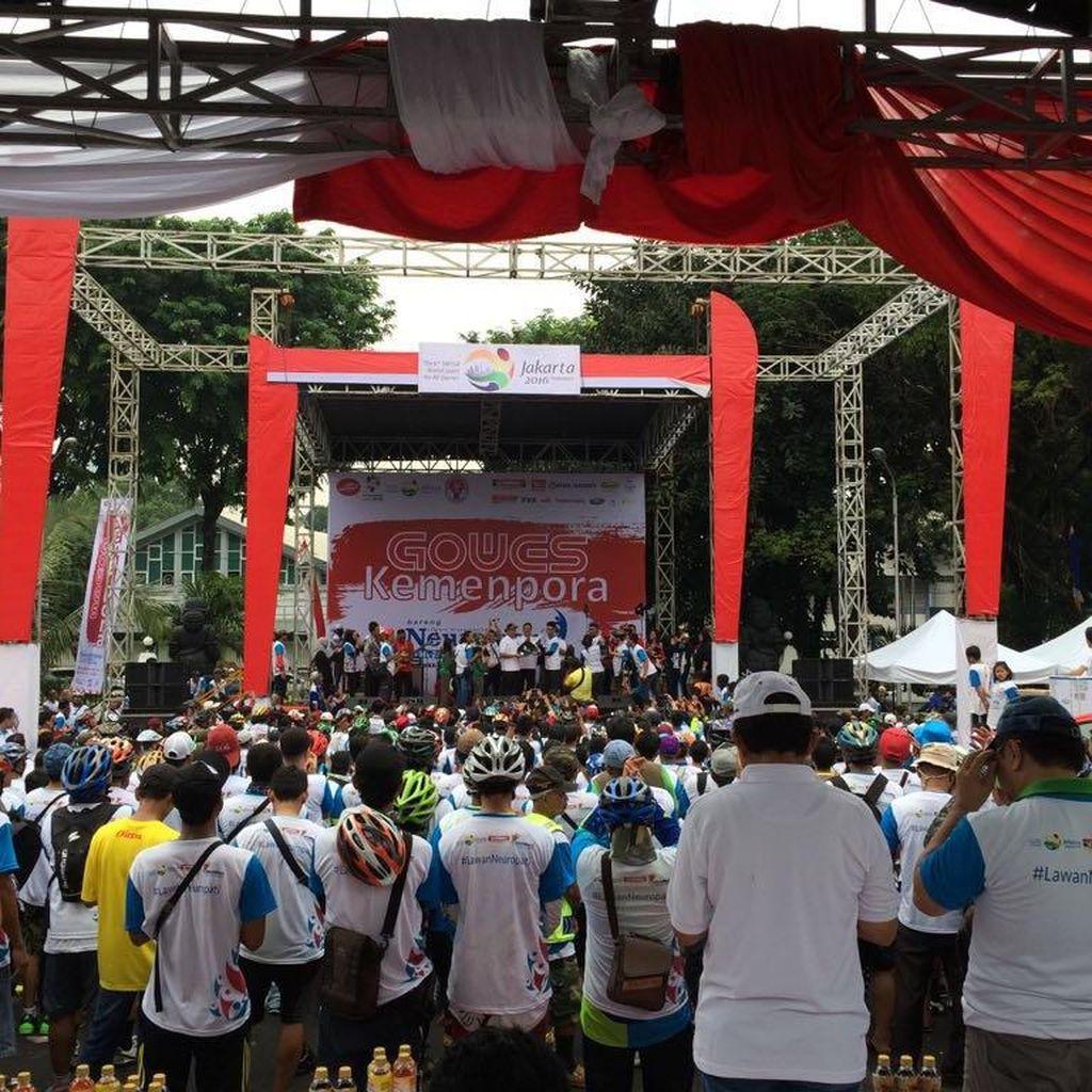 Ribuan Peserta Meriahkan Acara Gowes Sepeda Kemenpora