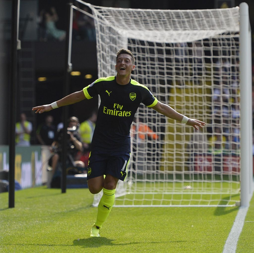 Oezil Ditarget 10-15 Gol oleh Wenger