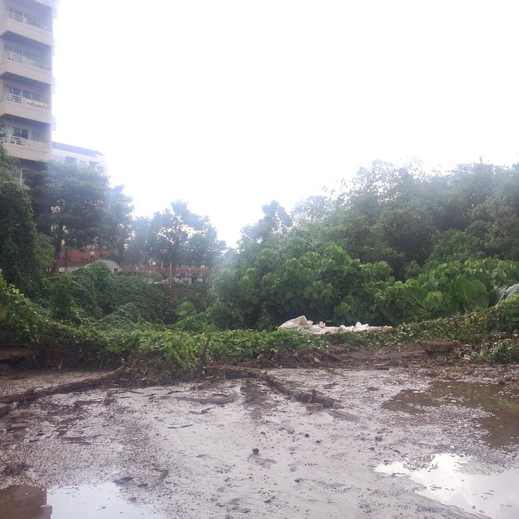 Ini Penampakan Tembok Kali Krukut yang Jebol dan Bikin Kemang Kebanjiran