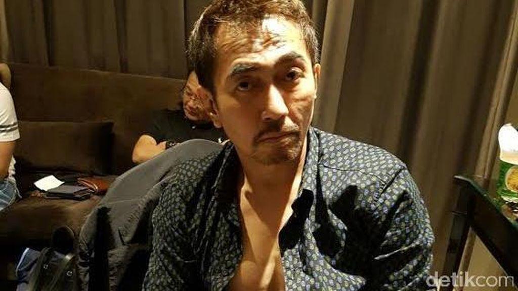 Ada Penyanyi Reza Artamevia di Kamar Aa Gatot Brajamusti Saat Penggerebekan