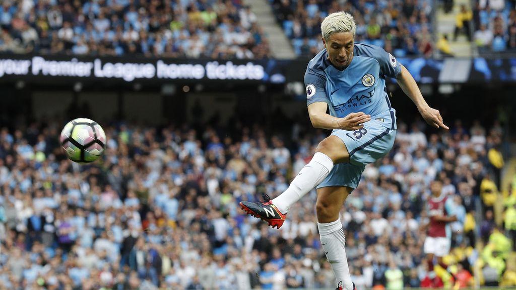 Guardiola: Kalau Mau, Nasri Bisa Bertahan di City
