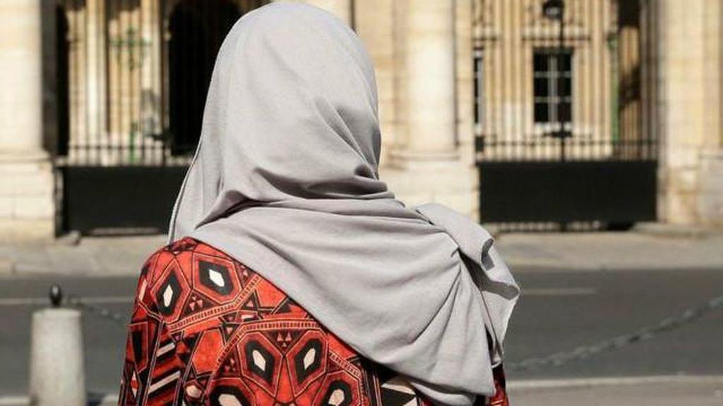 Sebuah Restoran di Paris Tolak Melayani Perempuan Muslim