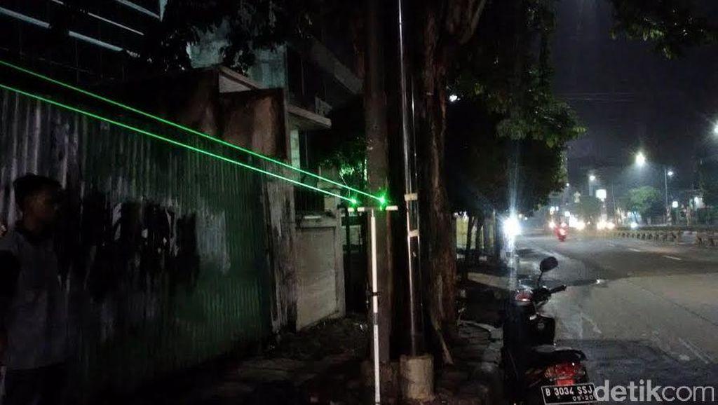 Berbahaya Bagi Penerbangan, Penjual Laser Masih Bertebaran di Jakarta