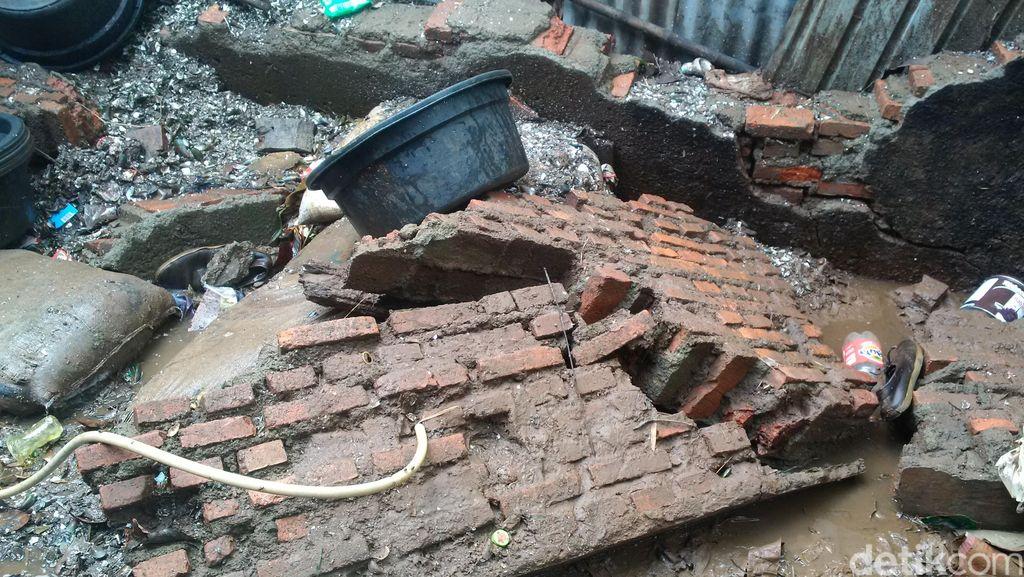 Dibangun Sejak 2001, Tanggul Kali Krukut di Gang Minatu Dibangun Swadaya
