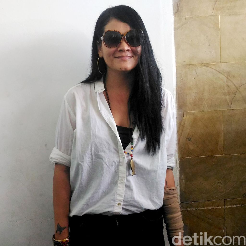Gugat Cerai Suami, Keputusan Melanie Subono Sudah Matang