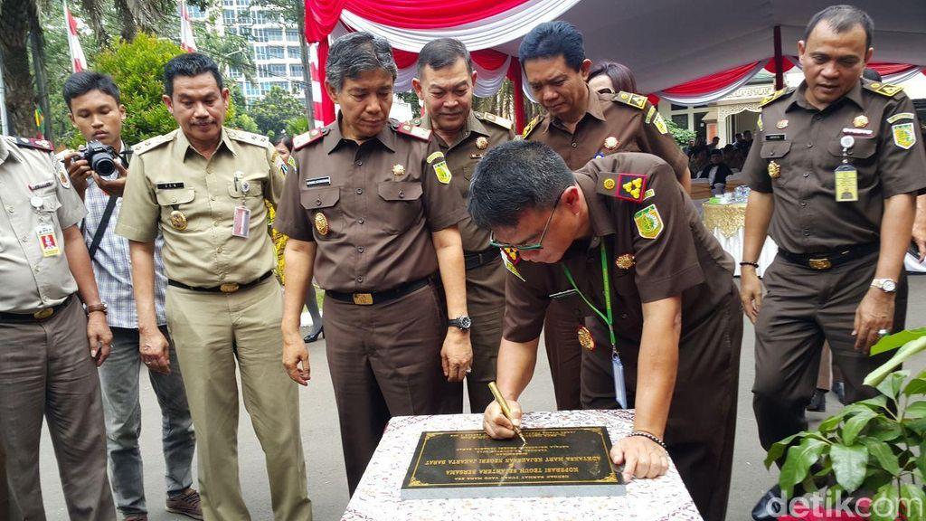 Tingkatkan Kesejahteraan Pegawai Lepas, Koperasi Kejari Jakbar Buka Minimarket