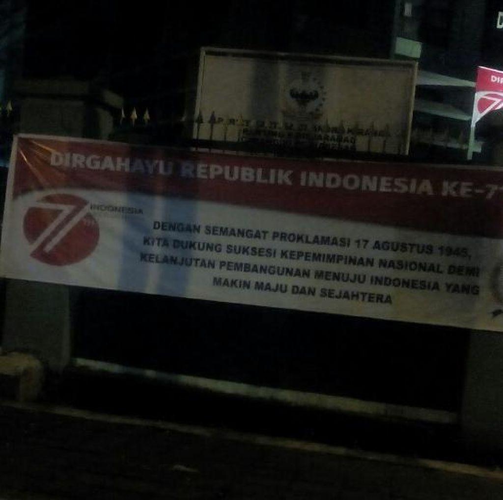 TNI AD Cek Pembuat Spanduk HUT ke-71 RI Suksesi Kepemimpinan Nasional