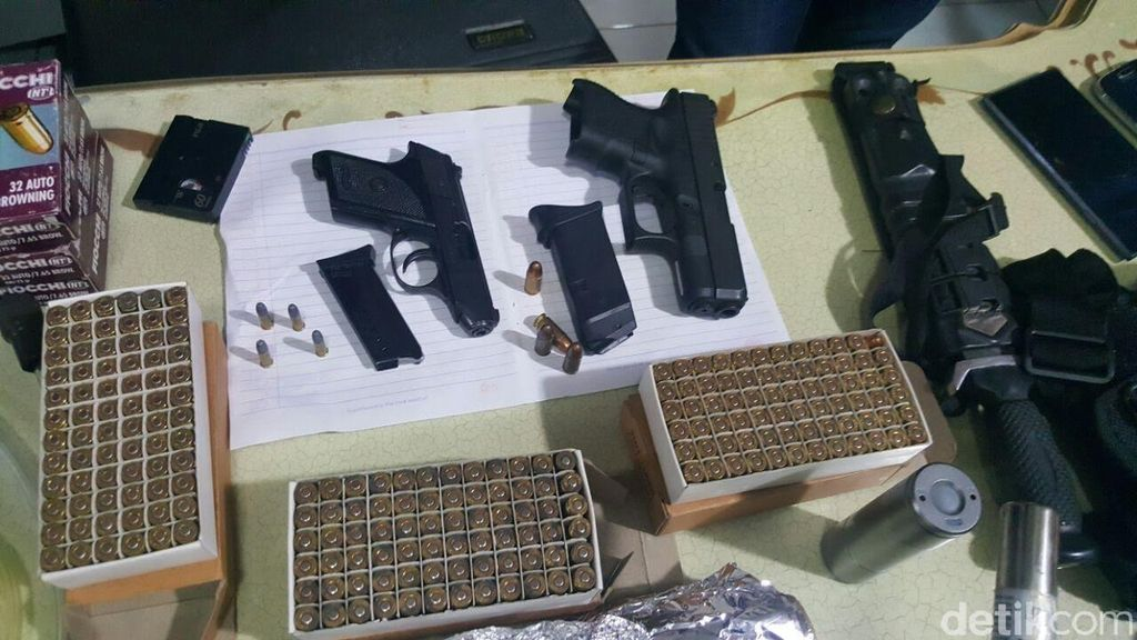 Polisi Telusuri Kepemilikan Senpi Serta Ratusan Amunisi Gatot Brajamusti