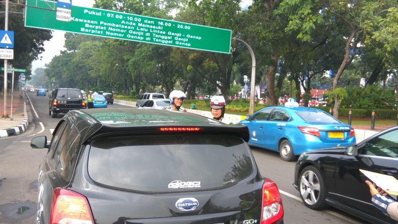 Ganjil-Genap Berlaku, Sudah Ada 16 Pengendara yang Ditilang di Jl Medan Merdeka