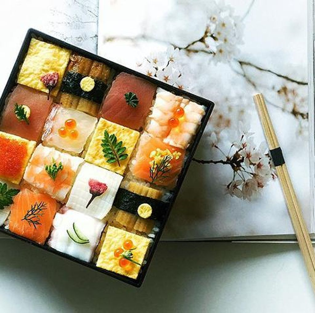 Sushi Ditata Cantik Bentuk Mosaik Kini Jadi Tren