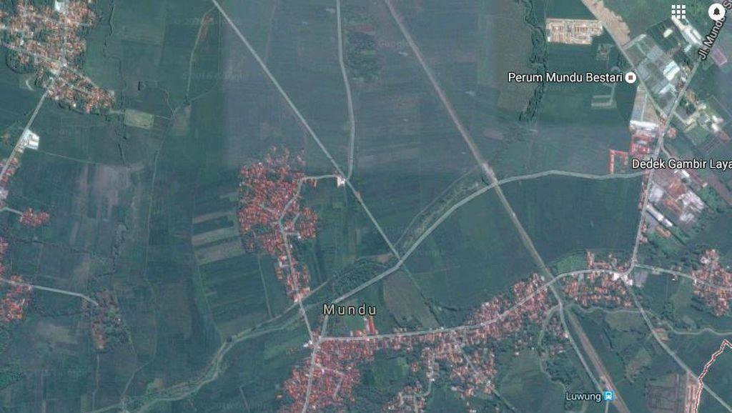 Pesawat Latih Kembali Jatuh di Sawah, Kali ini di Cirebon