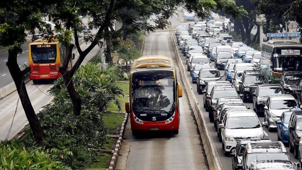Sambut Sistem Ganjil Genap, Pemprov DKI Siagakan 200 Bus TransJ Tambahan