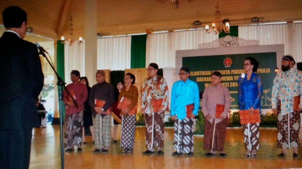 Sri Sultan Angkat Mahfud MD dan 7 Tokoh Jadi Anggota Dewan Pertimbangan