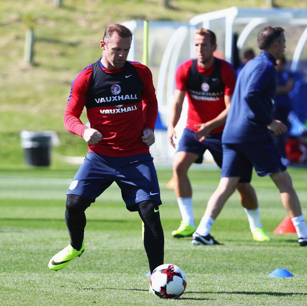 Rooney: Segera Lewati Beckham dan Dekati Shilton