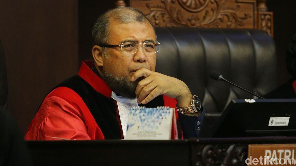 Hakim Konstitusi Patrialis Pertanyakan Hati Nurani Ahli Memandang Kasus Biseks