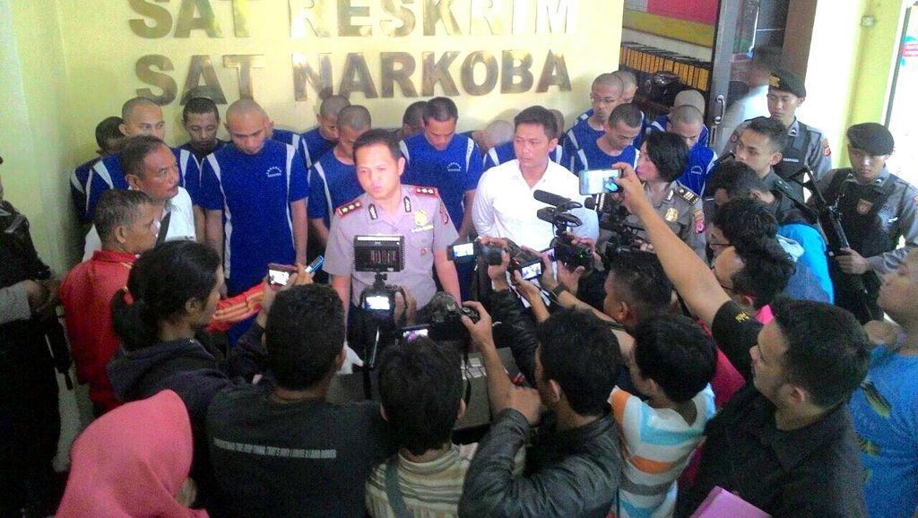 Tim Satuan Narkoba Polresta Sukabumi Tangkap 14 Orang Pengedar Sabu
