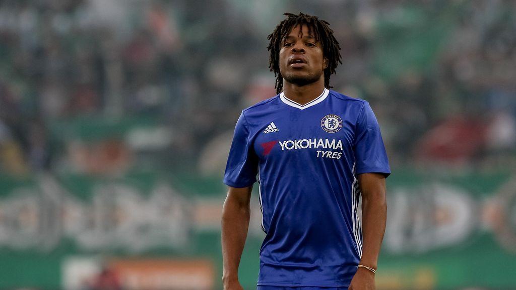 Tak Ada Tempat untuk Loic Remy dan Kenedy di Skuat Chelsea Musim Ini