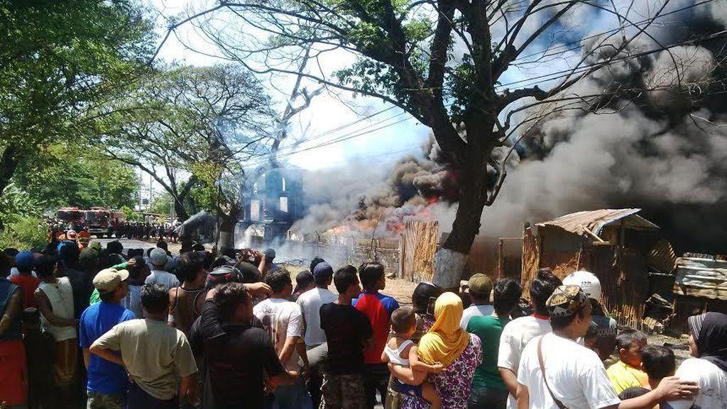 Pabrik Karet di Pasuruan Terbakar