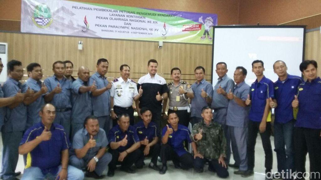 Sopir Atlet PON Dapat Pelatihan Driving Attitude dari Rifat Sungkar