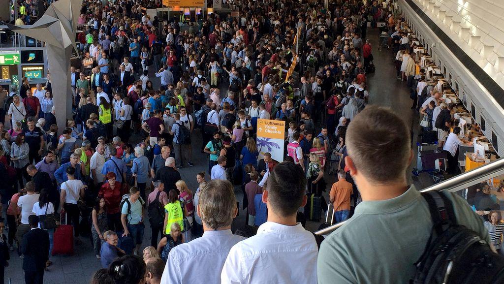 Ada Orang Terobos Pemeriksaan di Bandara Frankfurt, Penumpang Dievakuasi