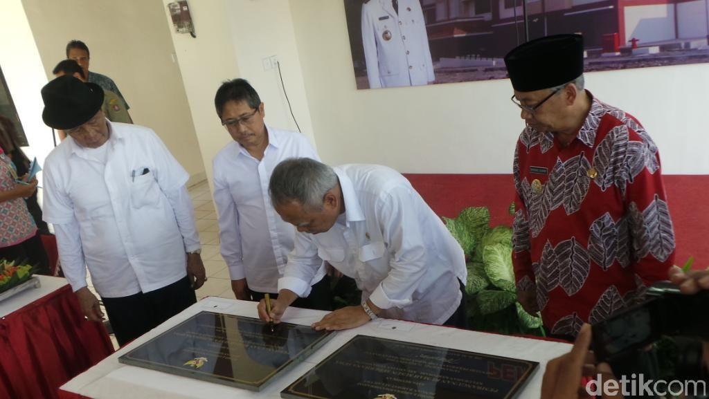 Menteri PUPR Basuki Resmikan Rusunawa di Temanggung