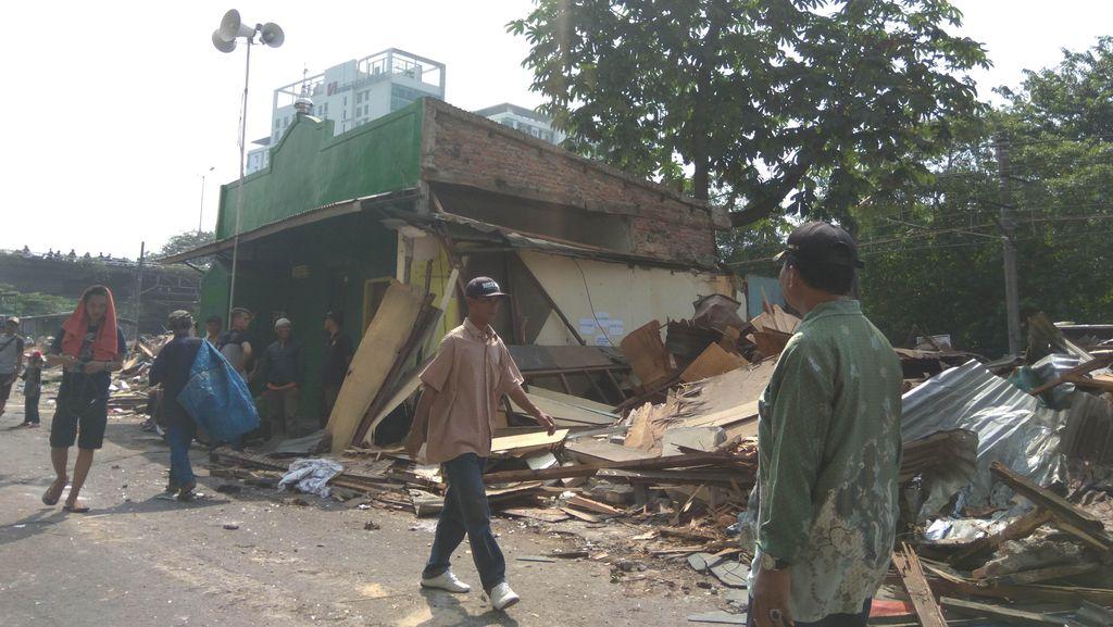 Pembongkaran Rawajati Jakarta Selatan Selesai, Sebuah Musala Tersisa