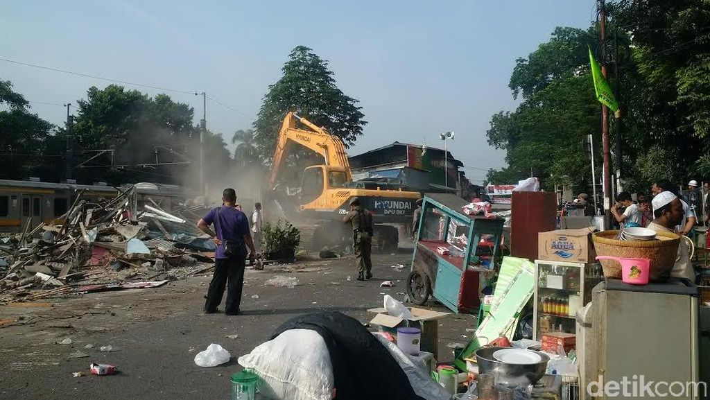 Foto-foto Bangunan di Rawajati Kalibata Digusur