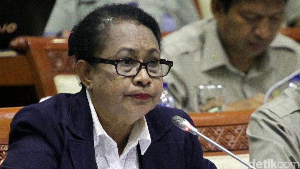 Menteri Yohana Gagas Aturan Mengontrol Penggunaan Media Sosial