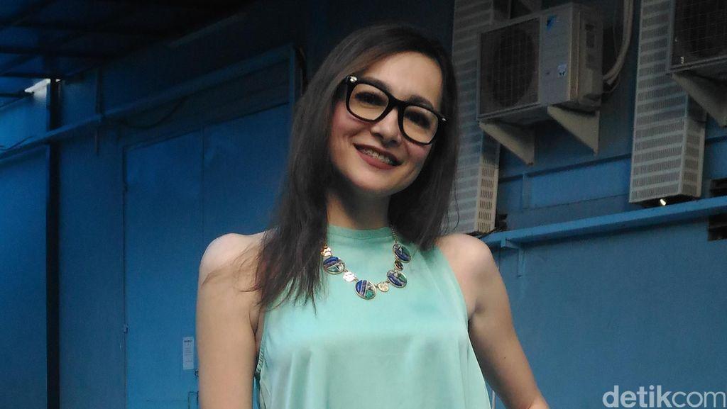 Pasca Cerai, Dewi Rezer Tambah Cantik