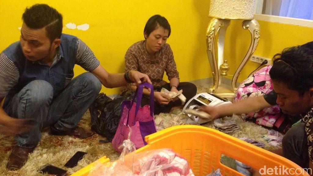 Gerebek Rumah Bandar Narkoba, Polisi Temukan 720 Paket Sabu dan Duit Rp 1,2 M
