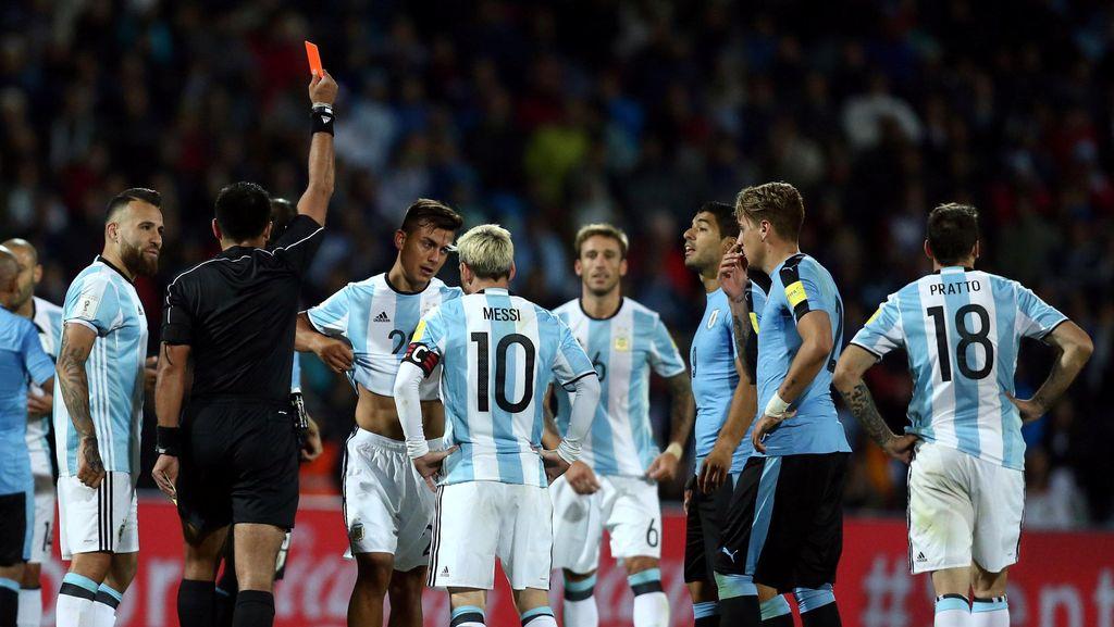 Kartu Merah yang Merusak Momen Indah Dybala bersama Messi