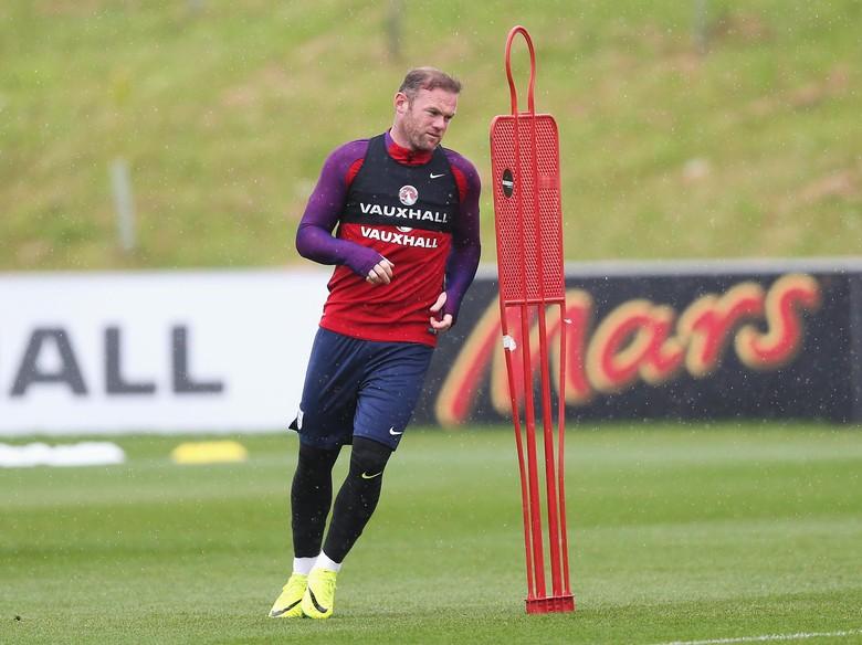 Dukungan Beckham Untuk Wayne Rooney