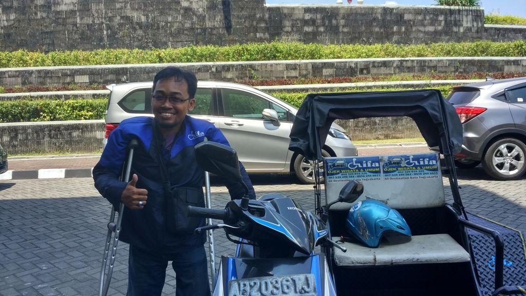 Cerita Driver Ojek Difabel yang Sering Diusir Opang dan Tukang Parkir