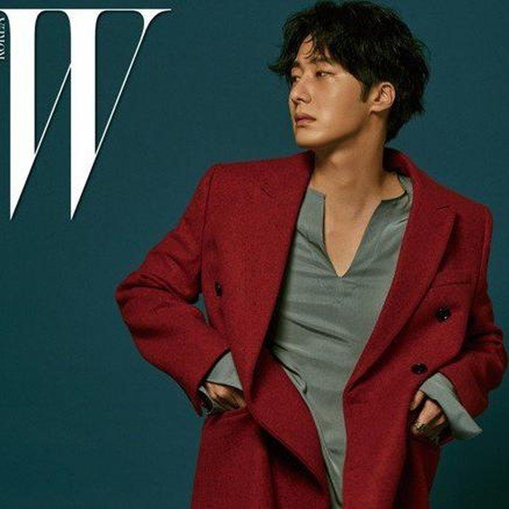 Jung Il Woo Tampil Chic di Pemotretan Majalah W