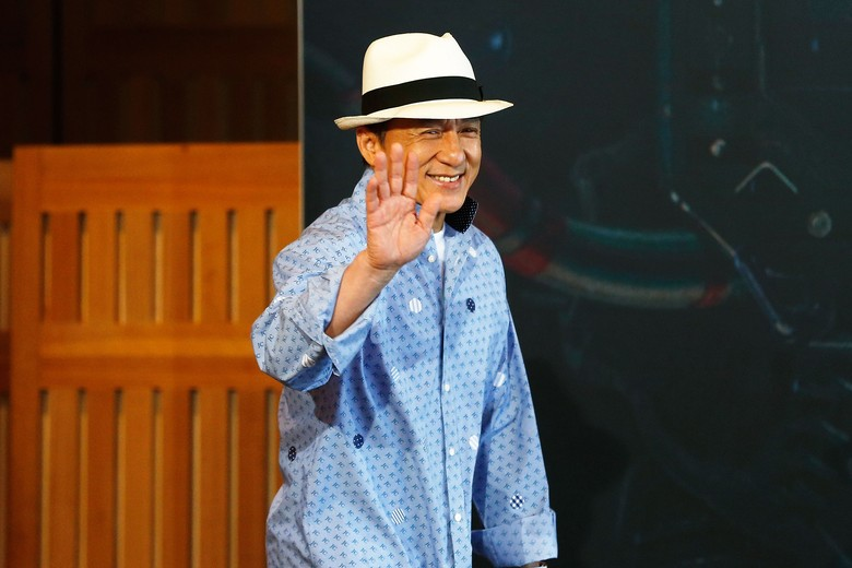 Jackie Chan Raih Piala Kehormatan Oscar