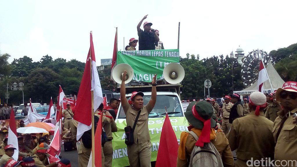 Ribuan Penyuluh Pertanian Demo di Depan Istana, Minta Diangkat Jadi PNS