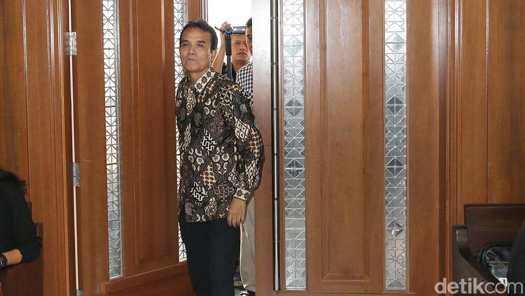 Panitera PN Jakpus Didakwa Jadi Perantara Suap untuk Sekretaris MA Nurhadi